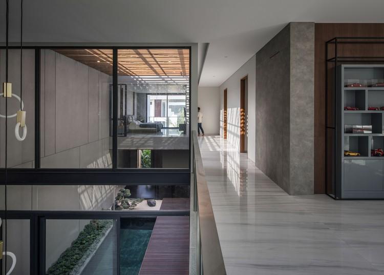 KIE Rakta Tamblong 01b - RR House / Rakta Studio: Ngôi nhà 400m2 thiết kế siêu thoáng với không gian mở