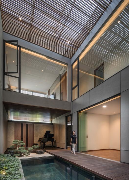 KIE Rakta Tamblong 03a - RR House / Rakta Studio: Ngôi nhà 400m2 thiết kế siêu thoáng với không gian mở