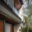KIE Rakta Tamblong 05 - RR House / Rakta Studio: Ngôi nhà 400m2 thiết kế siêu thoáng với không gian mở