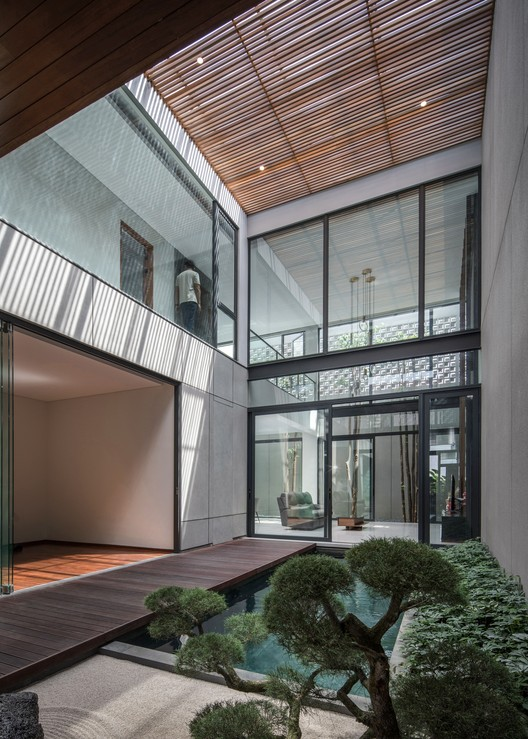 KIE Rakta Tamblong 09 - RR House / Rakta Studio: Ngôi nhà 400m2 thiết kế siêu thoáng với không gian mở