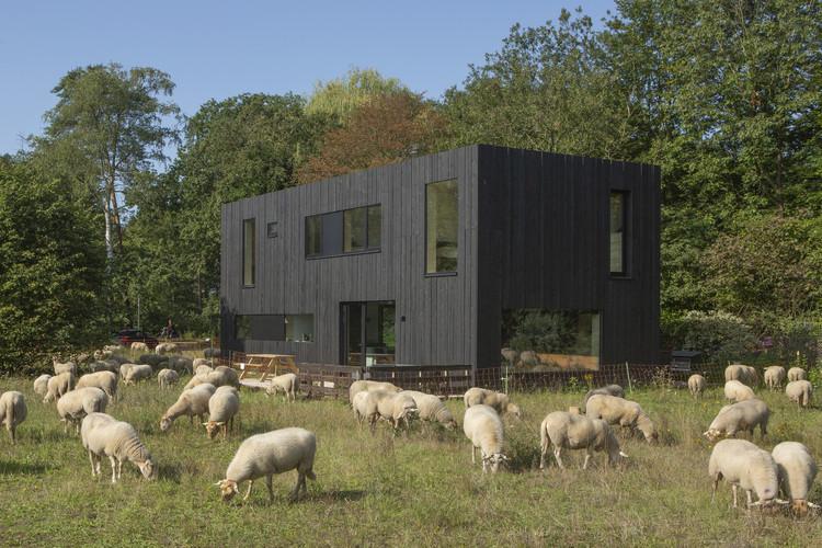 Four Seasons House / Joris Verhoeven Architectuur, © John van Groenedaal