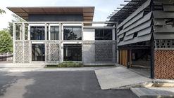MAC Construction Headquarters / O2 Studio