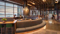 Alaska Airlines Flagship Lounge / Graham Baba Architects