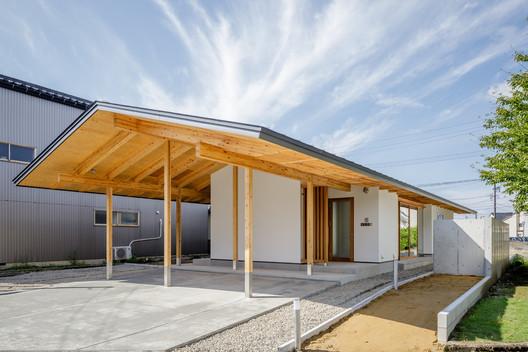 House in Tonami / Kazuto Nishi Architects