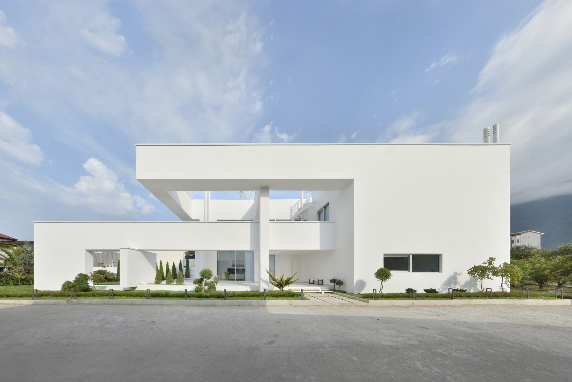 Moshref Villa / mrk office