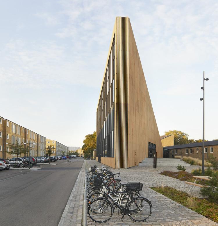 Biblioteca Tingbjerg. Imagen © Hufton+Crow