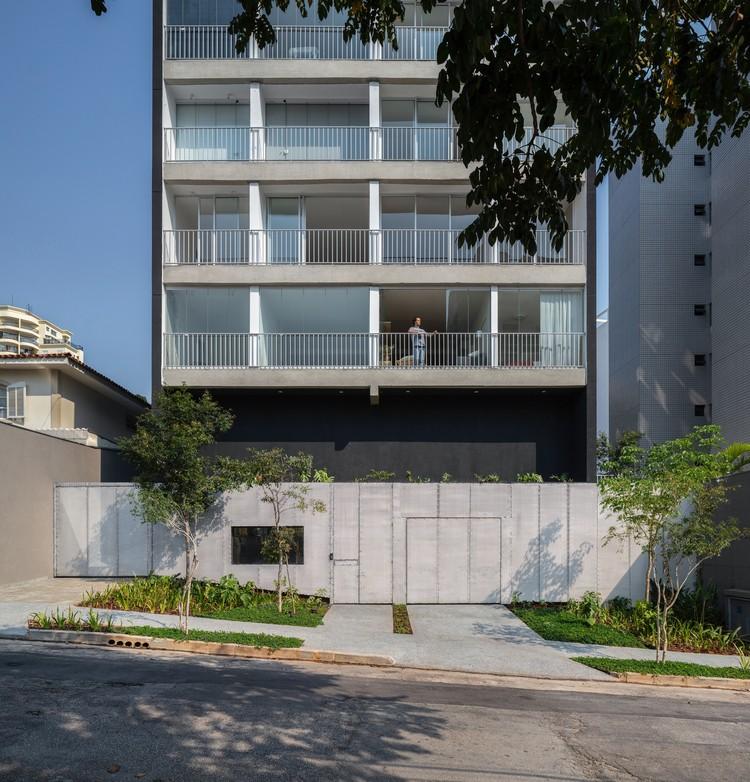 Edifício Residencial Amora / AMICI Architects, © Maura Mello