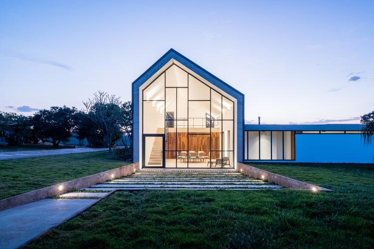 Groba House / Estúdio MRGB, © Hermes Romão