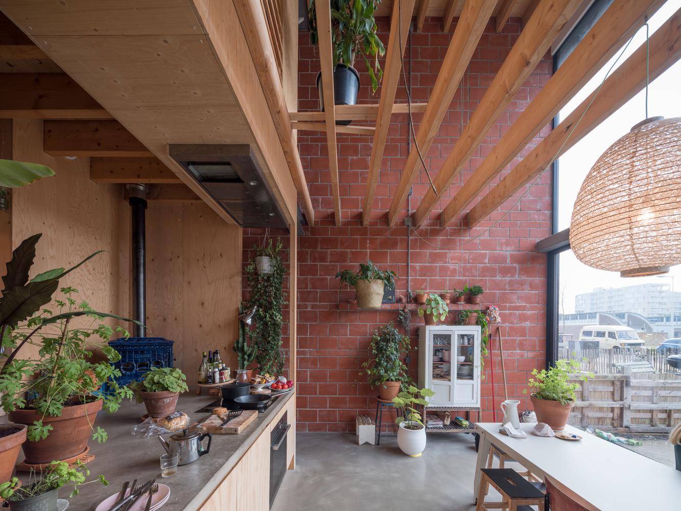 Confort olfativo en la arquitectura y el impacto de los olores en el bienestar,House Buiksloterham / NEXT architects. Image © Ossip van Duivenbode