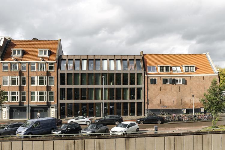 Foeliestraat 2-4 Apartments  / Ronald Janssen Architecten, © Sebastian van Damme