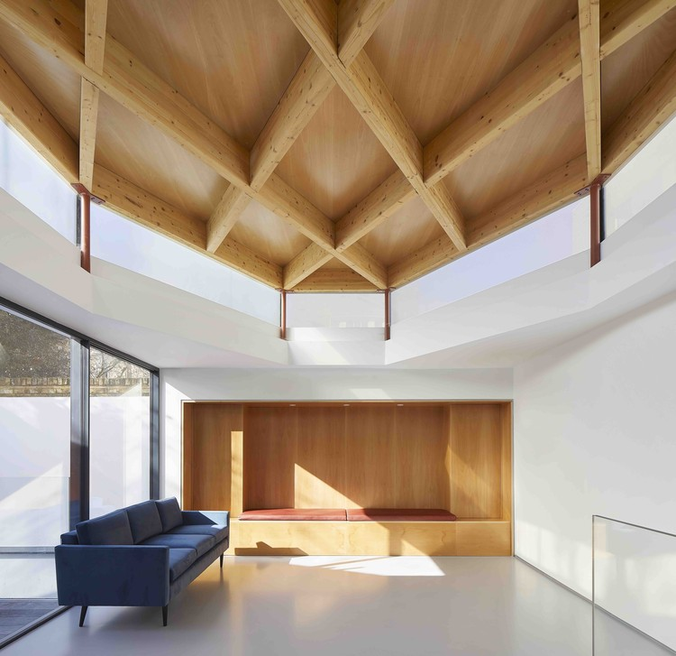 10 Redmans Road House / Alan Power Architects Ltd, © Hufton + Crow
