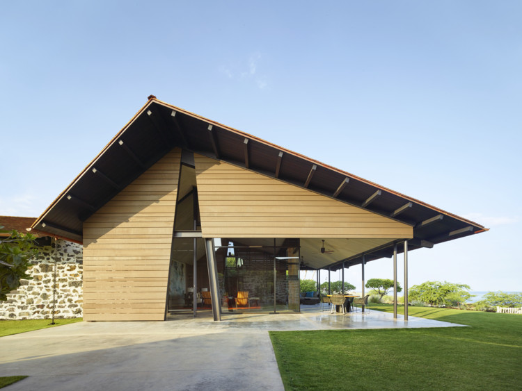 Residencia Makani Eka / Walker Warner Architects, © Matthew Millman