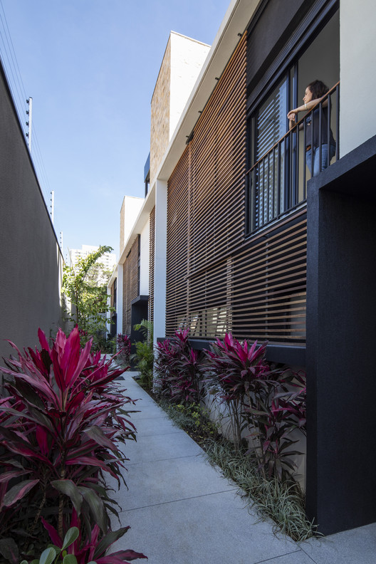 Casa Jardim Quattro Brooklin / Lucia Manzano Arquitetura + Paisagismo, © Maíra Acayaba