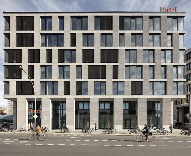 Spreeoffice Office Building / Tchoban Voss Architekten, © Klemens Renner
