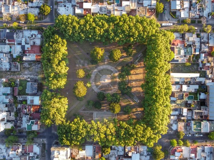 Plaza Saavedra . Image © Federico Andres Padin
