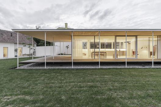 Atelier for a Sculpture Artist / Maximilian Eisenköck Architecture