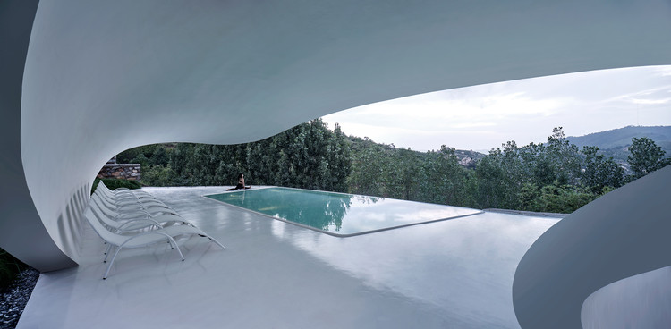 Jiunvfeng Bubble Pool and Supporting Facilities on Mount Tai / gad·line+ studio, © ZY Architectural Photography