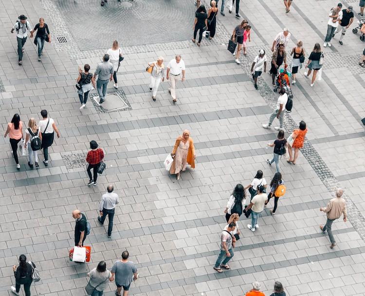 Quais são as melhores cidades do mundo para pedestres?, Foto: Jan Antonin Kolar, via Unsplash