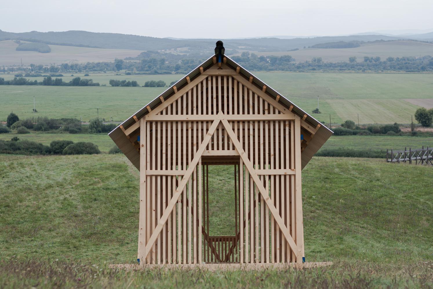 Slanted House / Paradigma Ariadné