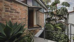 Casa Taller Barrio BCH / Yemail Arquitectura