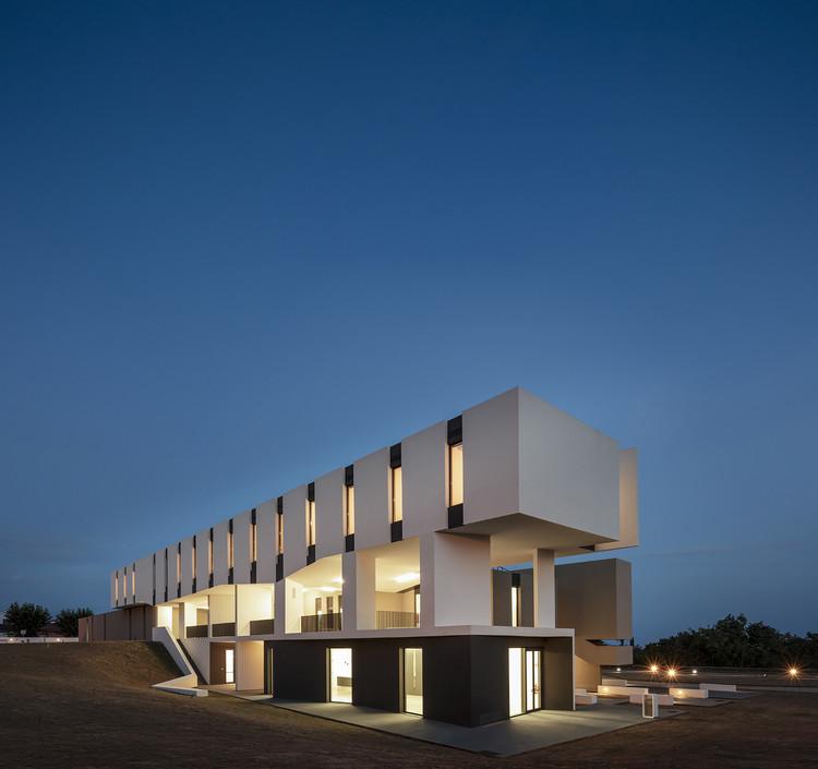 MD Centro de Abrigo Temporário / box: arquitectos, © Fernando Guerra | FG+SG