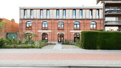 Co-Housing in a Former Police Station / POLYGOON Architectuur + Jouri De Pelecijn Architect