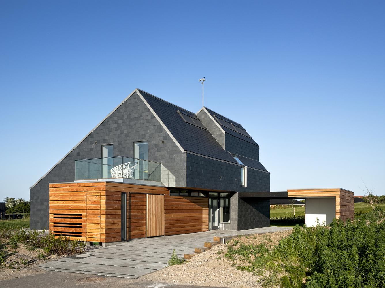 10 tipos de techos y las posibilidades de las cubiertas de pizarra,Home for Life / AART Architects. Image Cortesia de AART Architects