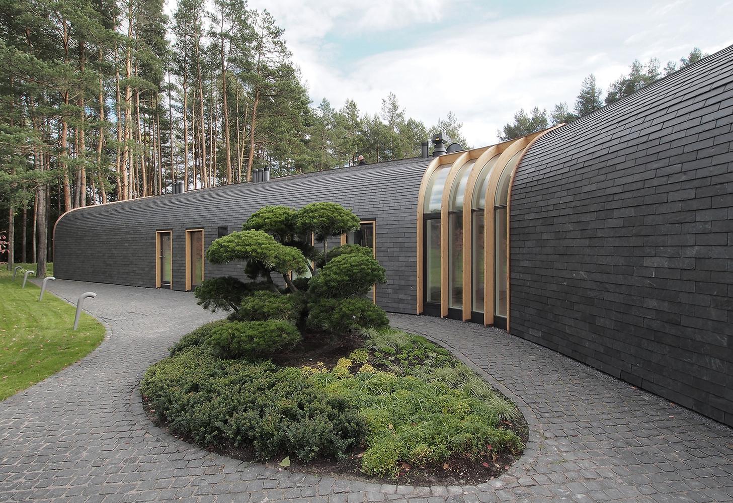 10 tipos de techos y las posibilidades de las cubiertas de pizarra,Villa G / Audrius Ambrasas Architects. Image Cortesia de Audrius Ambrasas Architects