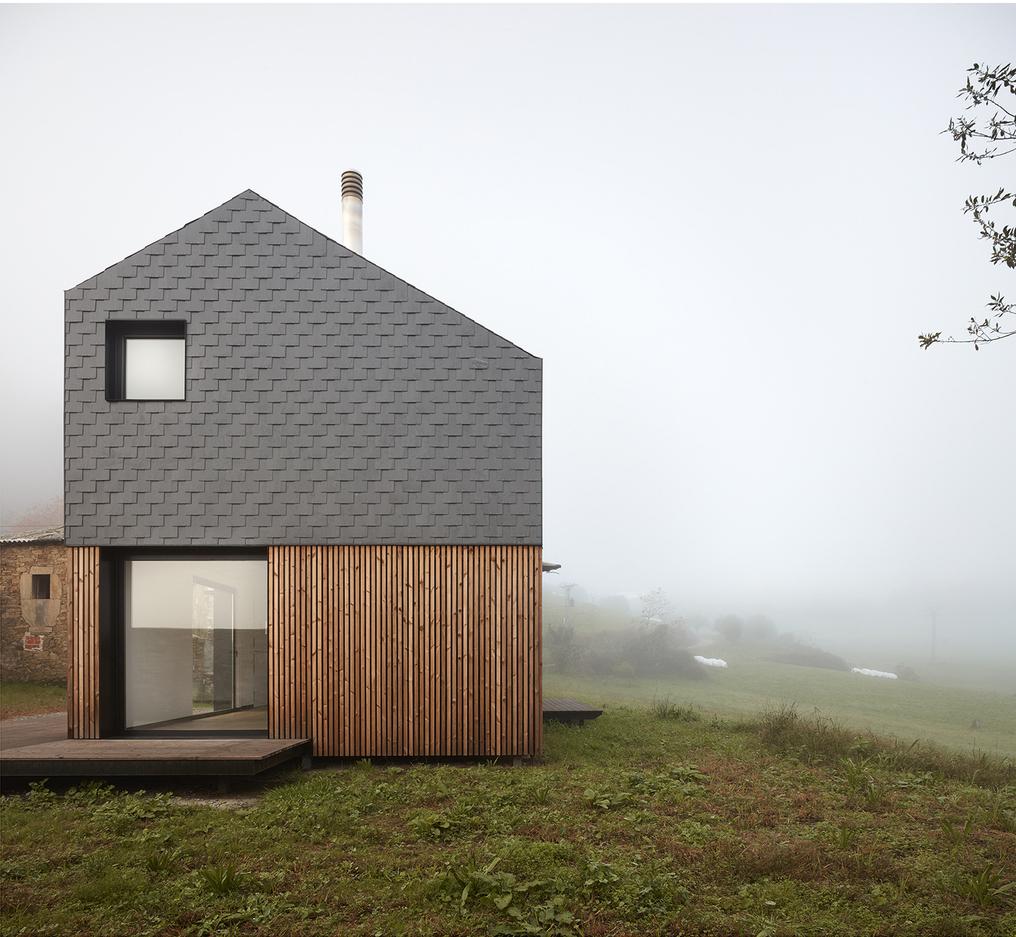 10 tipos de techos y las posibilidades de las cubiertas de pizarra,Montaña House / [baragaño]. Image © Mariela Apollonio