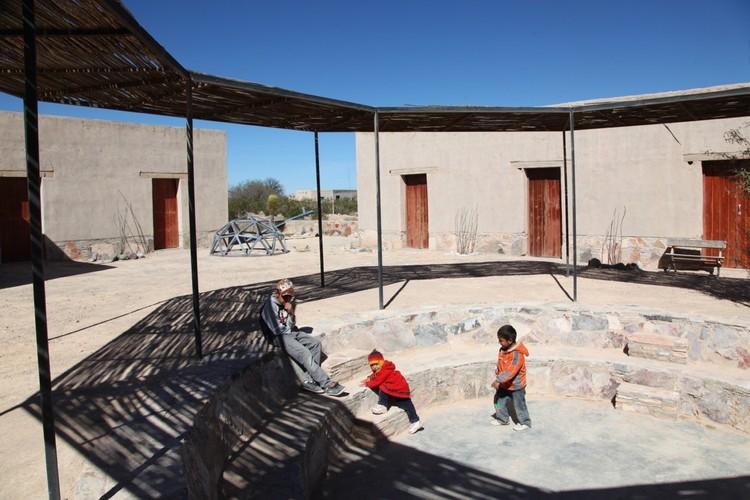 Las Margaritas Social Center / Dellekamp Arquitectos + TOA Taller de Operaciones Ambientales + Comunidad de Aprendizaje. Image © TOA Taller de Operaciones Ambientales