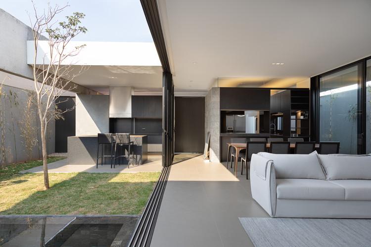 Casa A6 / gruta.arquitetos, © Daniel Santo