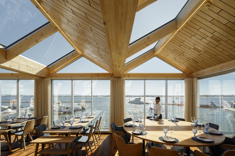 Costa Nova Sailing Club Restaurant / Ferreira Arquitectos