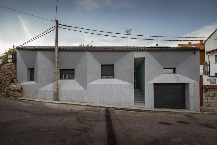 Bus House / OOIIO Architecture, © Josefotoinmo
