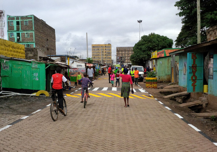 Como um espaço público pode transformar uma vizinhança inteira? A ideia de rua modelo da UN-Habitat, Cortesia de UN-Habitat