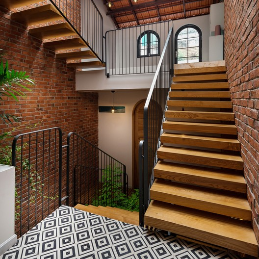 HL House / Chi.Arch