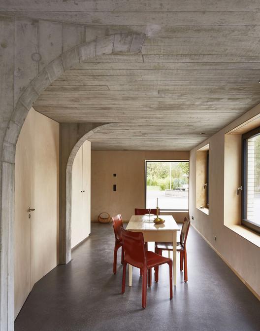 Conversión de un granero / Freiluft Architektur. Image © David Aebi