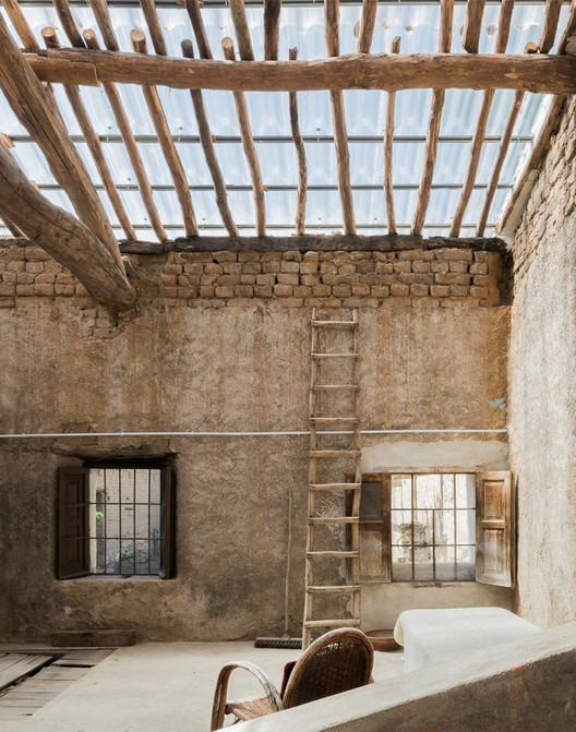 Rehabilitación y cambio de uso de granero en vivienda / G+F Arquitectos. Image © Joaquín Mosquera Casares