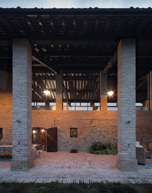 Renovación de granja antigua / studiomas architetti. Image © Marco Zanta