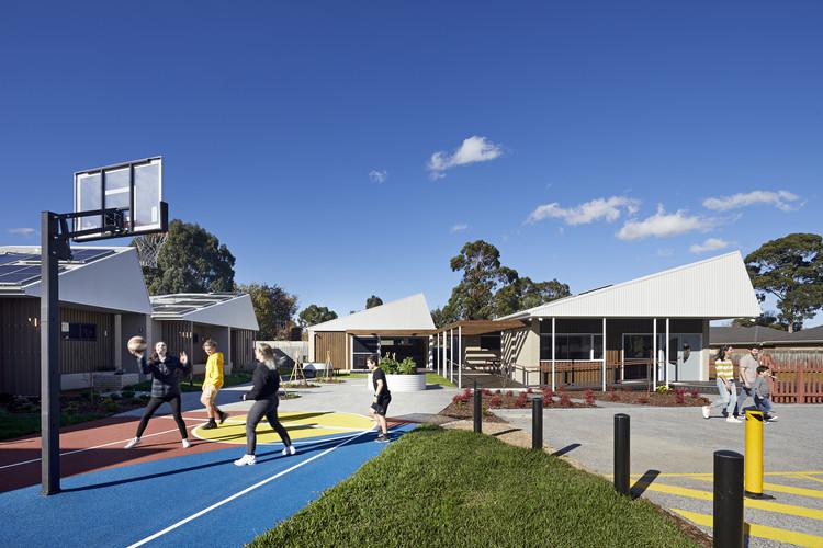 Wayss Youth Transition Hub  / BENT Architecture, © Tatjana Plitt