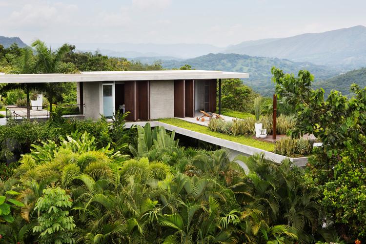 Casas en Colombia: Naturaleza en viviendas según clima de pisos térmicos, Casas Nilo / Alberto Burckhard + Carolina Echeverri. Image © Juan Antonio Monsalve