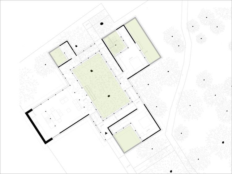 Casa entre árboles / El Sindicato Arquitectura. Image