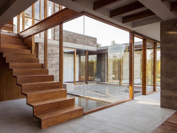 Casa En Cotacachi / Arquitectura X. Image © Sebastián Crespo