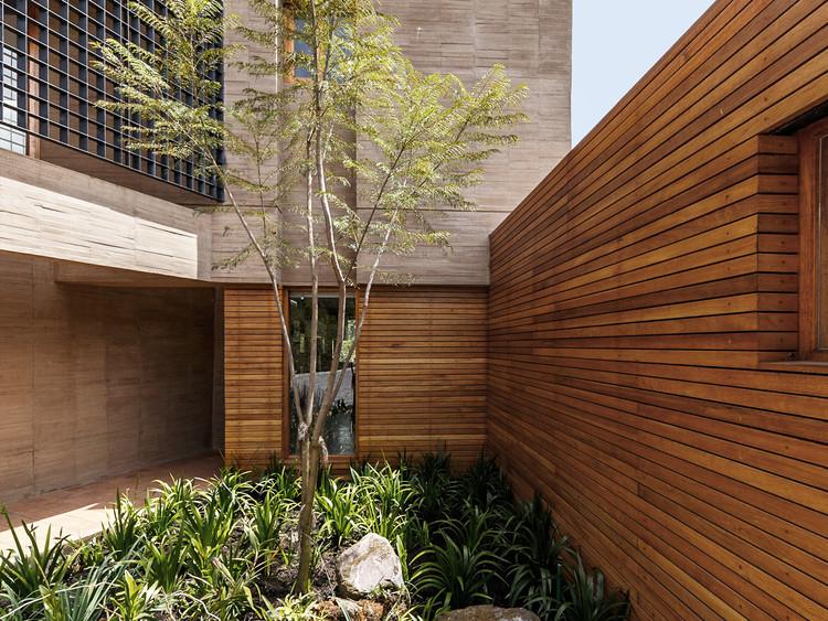La casa en la quebrada / Diez + Muller Arquitectos. Image © Sebastián Crespo