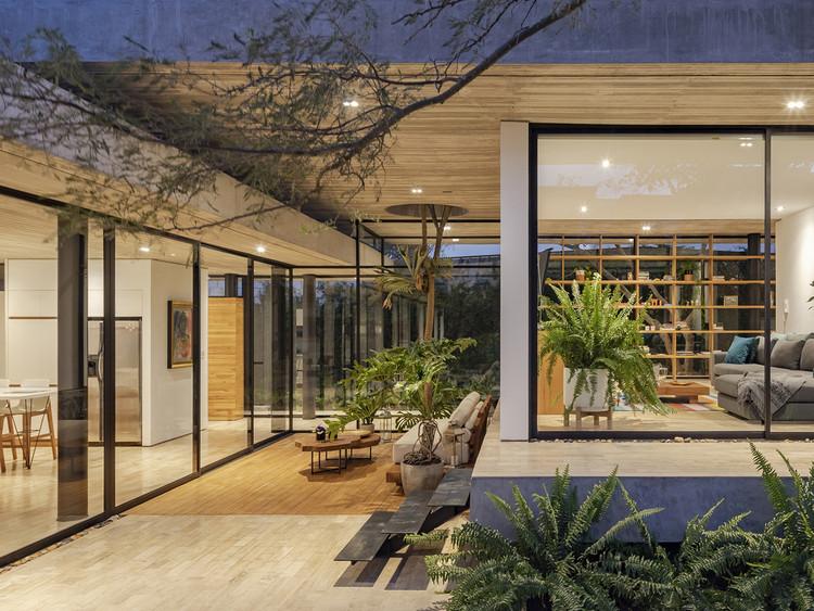 Casa Tacuri / Gabriel Rivera Arquitectos. Image © BICUBIK