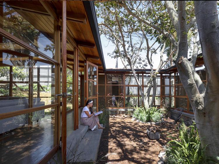Casa entre árboles / El Sindicato Arquitectura. Image © Andrés Villota