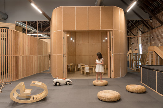 Big and Tiny Silverlake Playground / Zooco Estudio