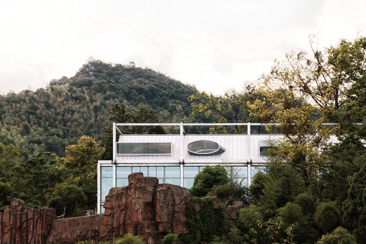 Ten Times Hotel / MONOLITH ARCHITECTS, © Lei Mao