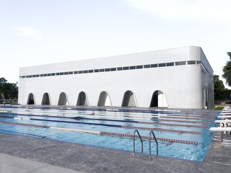 St. John's Institute Sports Pavilion / Archetype Architecture, © Adriel Lim