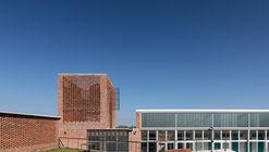 Centro Educativo CBT Toledo / Juan Caorsi Castillo + ANEP - DSI
