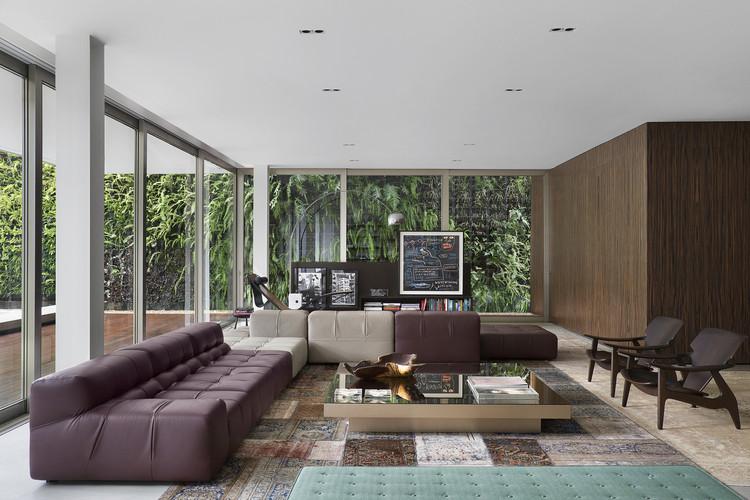 Casa DF / Studio Guilherme Torres, © Denilson Machado – MCA Estúdio